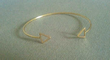 Alexis Delicate Gold Triangle Bracelet