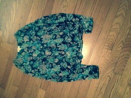 In clover size small floral blouse