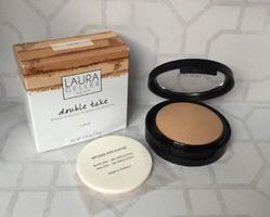 Laura Geller Double Take Baked Powder Foundation in Medium