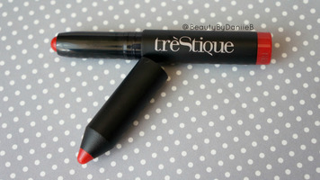 Trestique mini lip crayon in Chile Red