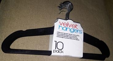 Velvet Hangers - 10 Pack, Black