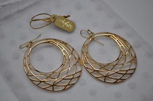 ArtZen Gold Hoop Earrings
