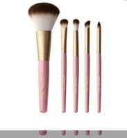 Too Faced Makeup Brush