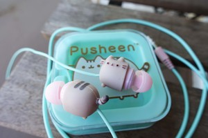 Pusheen Summer 2017 Earbuds