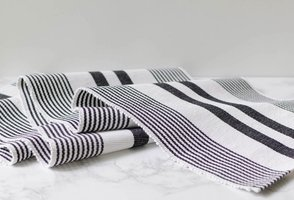 Mostess Signature Table Runner