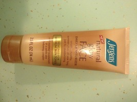 Jergens Natural Glow Face Daily Mousturizer for Medium Skin Tones