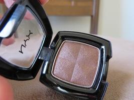 NYX eyeshadow in Nutmeg