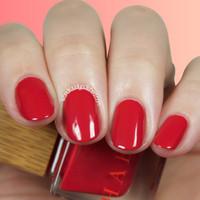 Habit Natural Nail Polish in HUSSY