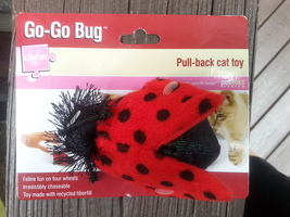 Petlinks Go-Go Bug Pull-back Cat Toy