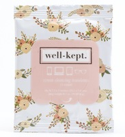 Well-kept screen cleansing towelettes