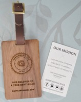 Woodchuck USA Wooden Luggage Tag