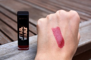 Covergirl Star Wars Lipgloss in Shade 30