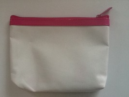Ipsy bag White with pink zipper band