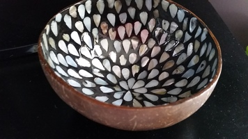 Droplets Mother of Pearl Coconut Bowl