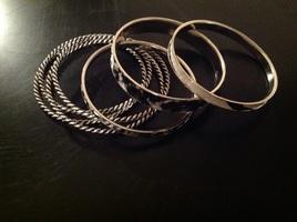 Set of 7 black & white bangles