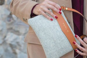 Little Dandy Perl B Wool and Leather clutch