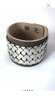 Brown leather bracelet with gold mesh metal