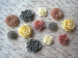 Hand made flower magnets (set of 6)