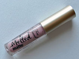 Too Faced Melted Matte Queen B