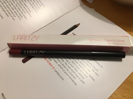 Laritzy Lip Pencil in Cabernet