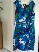 Beautiful floral dress Sz 14