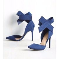 What's Yours is Divine Heels by Wild Diva - Size 9