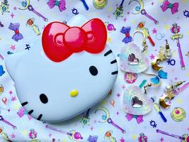 Hello Kitty triple stamp case
