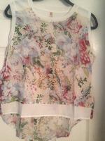 Sweewe floral top M/L