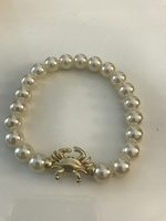 Luxe Pineapple Pearl Bead Stretch Bracelet with Crab Charm