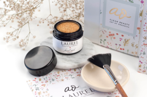 september's Art of Organics Clean beauty box  - Laurel Whole Plant Organics