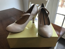 Chase and Chloe Kimmy Nude heels size 10