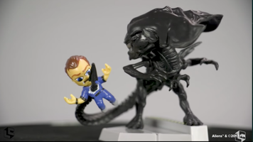 Aliens figure Loot Crate exclusive