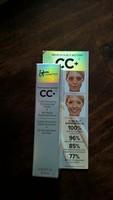 it Cosmetics CC+ Color Correcting Full Coverage Cream + Anti-Aging Serum in Light