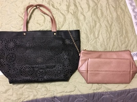 Deux Luxe Láser Cut Tote with Pouch