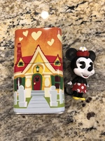 Minnie Exclusive Figure with tin