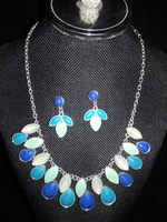Liz Claiborne Necklace Earring (Pierced) Set Blues, Teal, Navy set in Silver Tone