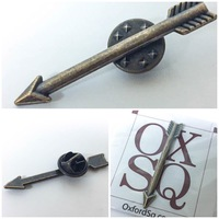 Oxford Sq Arrow Lapel Pin