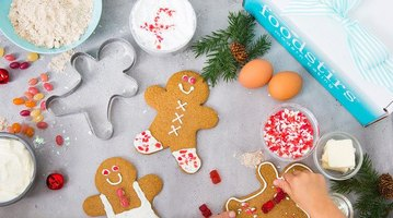 Foodstirs December 2017 Gingerbread Family Kit Box