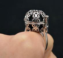 Adjustable aromatherapy ring