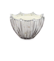DL&CO champagne scalloped candle
