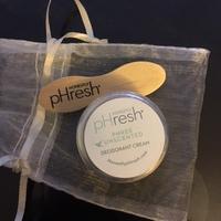 Honestly pHresh phree unscented deodorant cream