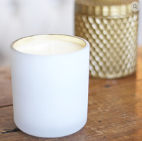 La Lueur Matte White Candle with Gold Lining and Pomelo Mangosteen Scent