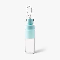d.stil Pinch & Carry 28oz / 800mLTritan Plastic Water Bottle in Powdered Sky