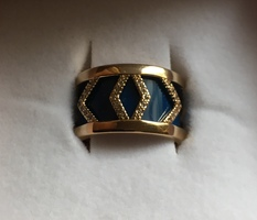 Les Georgettes Gold ring with blue/red reversible leather insert