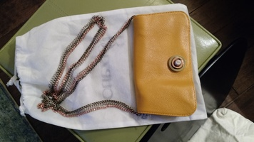 3-in-1 purse: cross body; shoulder; and clutch