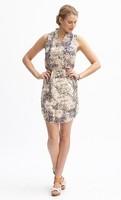 Chic V-Neck Dress - size large