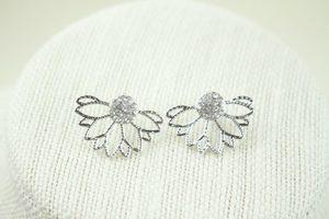 Faye Floral Earrings