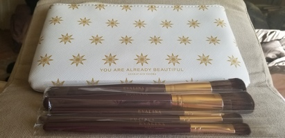 Evalina Beauty makeup brush set