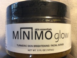 Skin essentials minimo glow turmeric facial scrub
