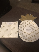 Pineapple 8 paper plates and 20 napkins